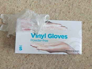 Disposable Vinyl Gloves Powder Free Clear Small size, 100/Box